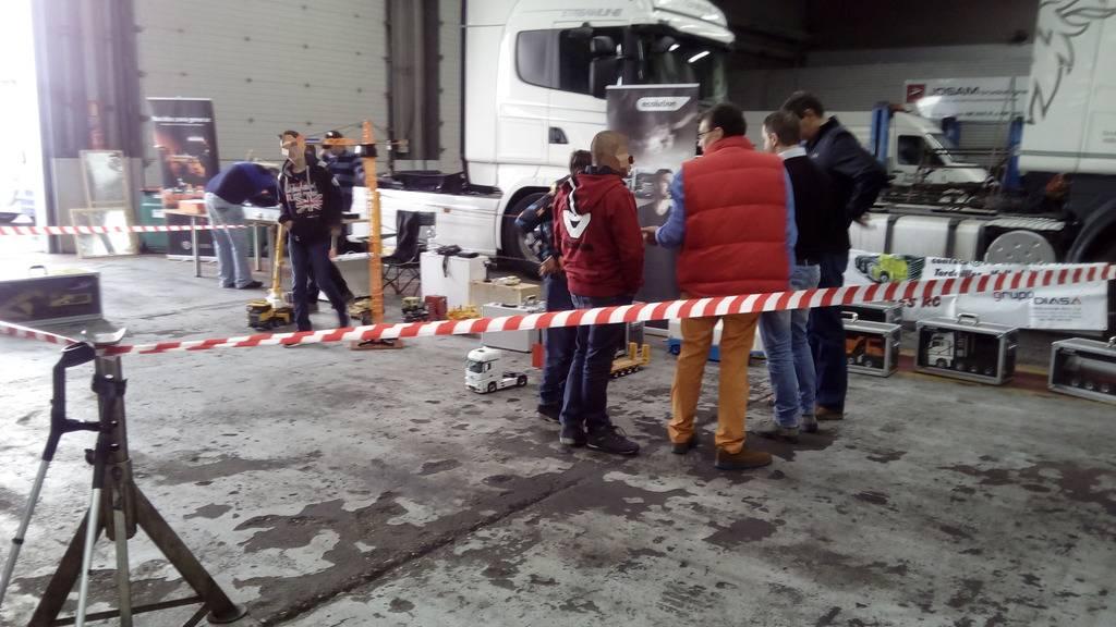 Exhibicion en concesionario Scania Valladolid 22-10-2016 IMG_20161022_104658%20b_zpswkyhnz3y