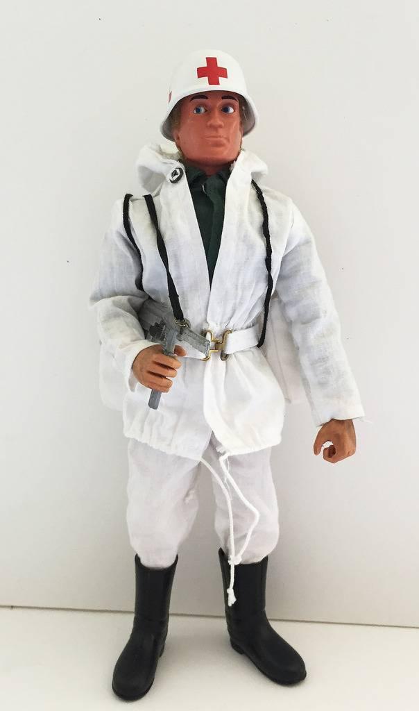 German Snow Patrol Medic IMG_1380_zpsxuxe07qe