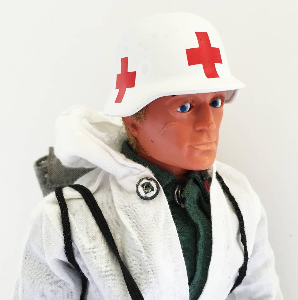 German Snow Patrol Medic IMG_1382_zpskpo9zzxl