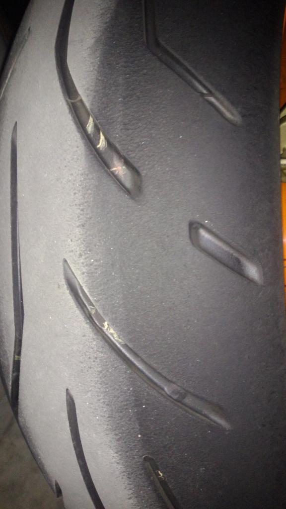 Bridgestone S20R EVO com defeito? Por5_zps1d9cda18
