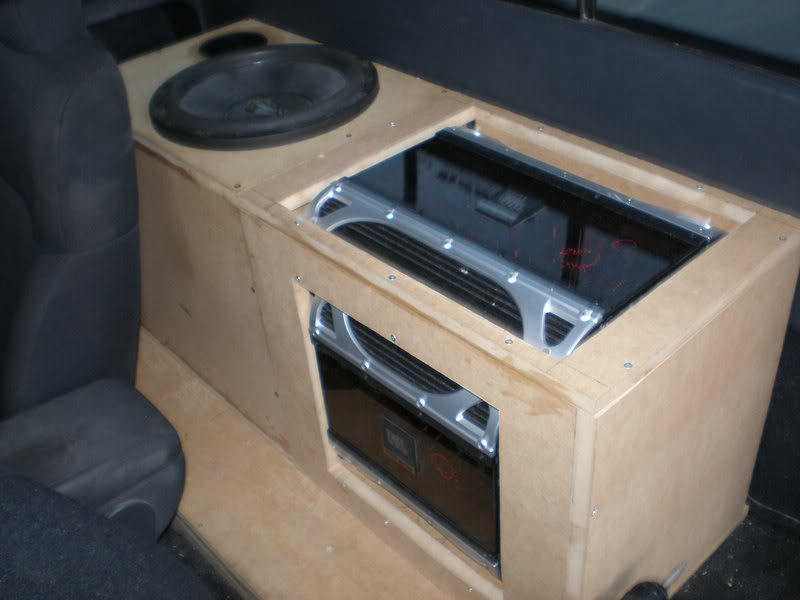 amp rack P9020616