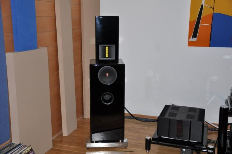Ultimate Audio Demo Room DSC_0234