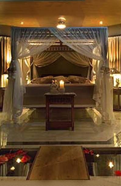 Templo de la Diosa Hera - Página 2 Cook-Islands-Rumors-Romance-Bed-Nig