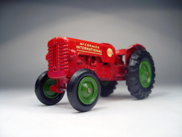 Maquinaria Agricola K4A_International_Tractor
