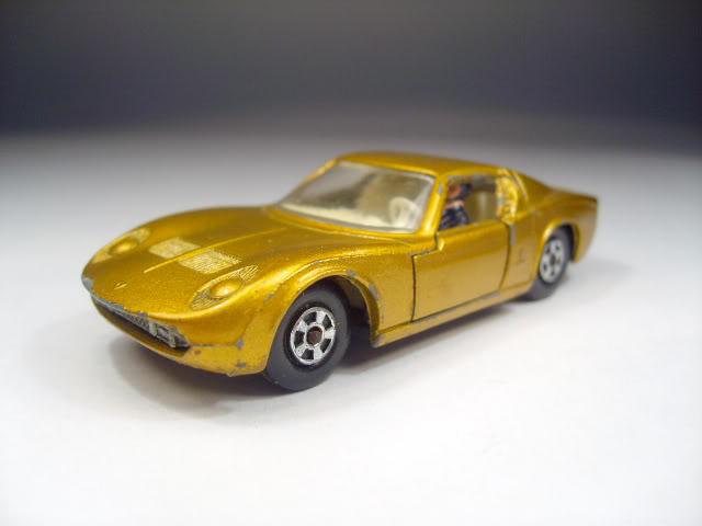 Transicionales, solo dos años de historia. 33_Lamborghini_Miura