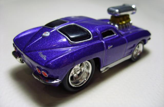 Muscle Machines Corvette_StingRay_b