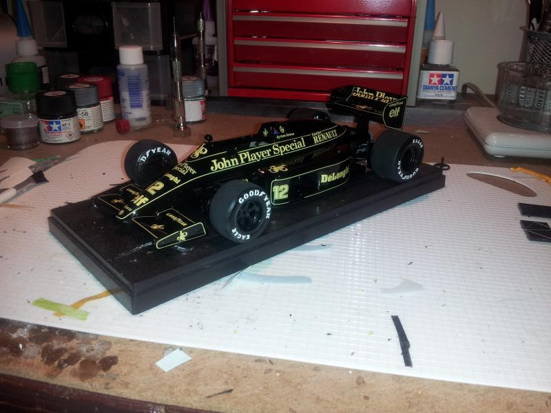 lotus 98t 1/20 - Page 2 20140829_214551_zps6add6608