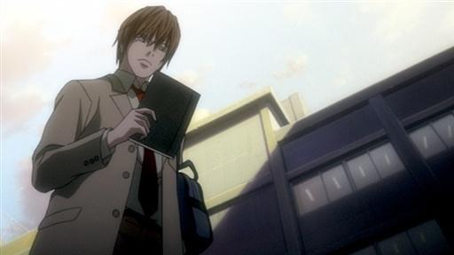 [Wiki][Death Note]Kira- Yagami Light  Light_Holding_Death_Note_zpsb8354a49