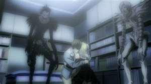 [Wiki][Death Note]Kira- Yagami Light  Light_hugs_Misa_zpse46f814d