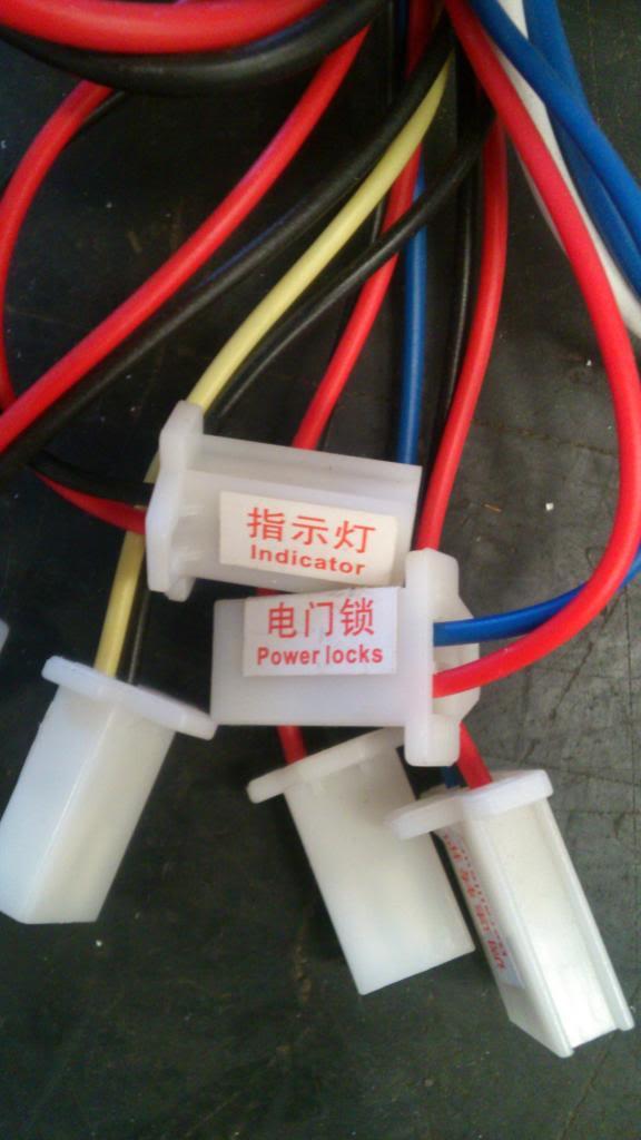 Acelerador con indicador de batería y 4 cables. DSC_1759_zps04b84bf4