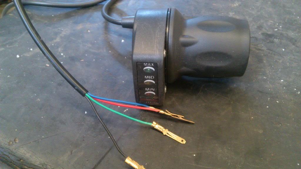 Acelerador con indicador de batería y 4 cables. DSC_1761_zpsfcf98141
