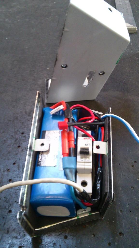 Cajas batería caseras. 16_zpseiav1ppc