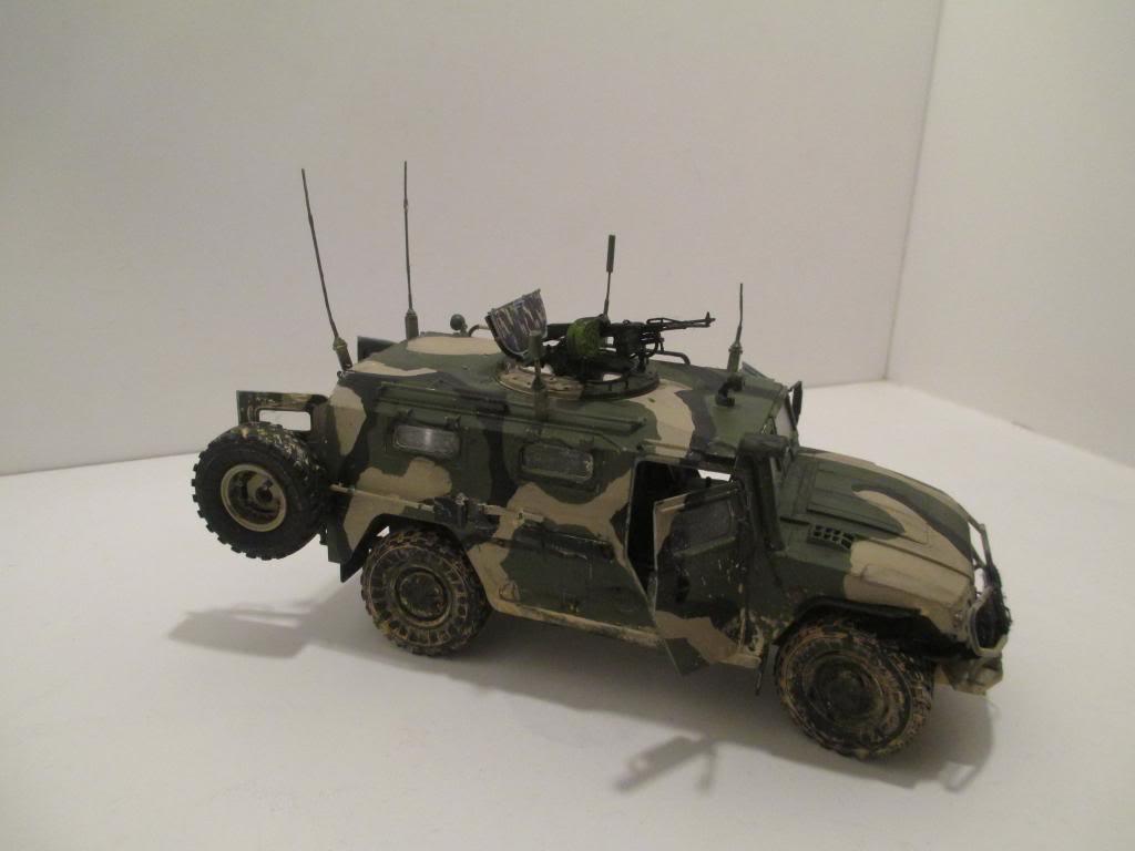 GAZ 233014 Tiger - Meng- 1/35 IMG_3498_zps3f2635f1