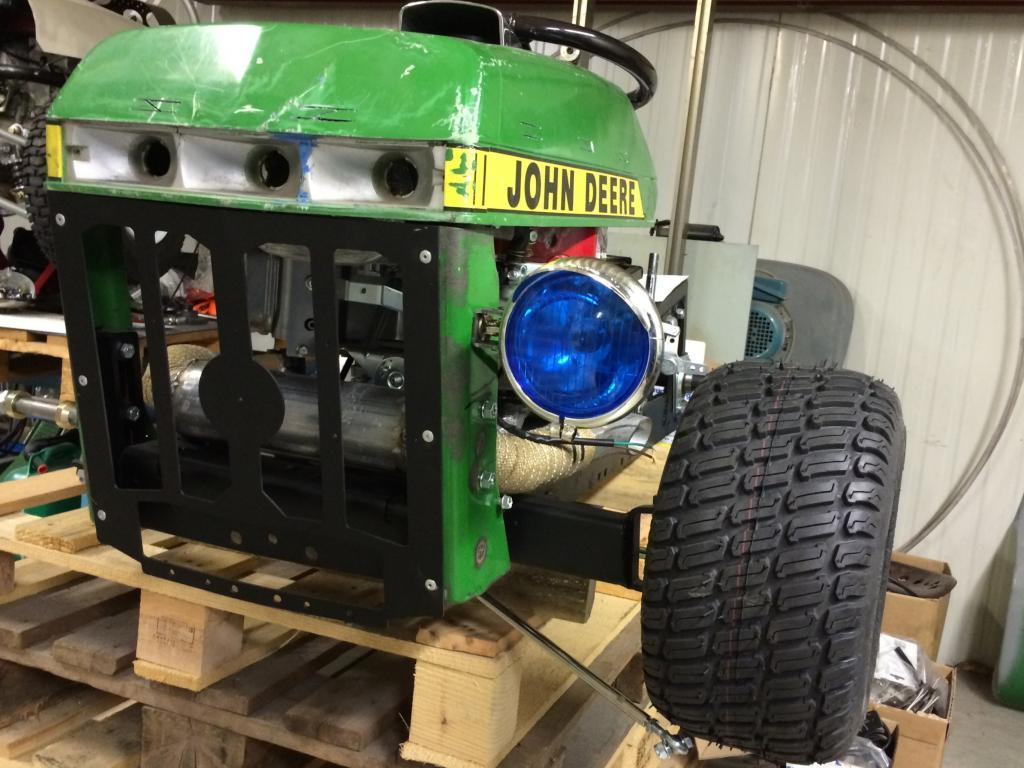"TD's John Deere 210 R - ""Help I Shrunk my John Deere 210""! - Page 21 IMG_0633_zps191b54d6"