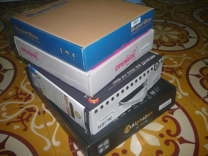 Đập hộp SUPERBOX S18 - hybrid IPTV - Page 21 P1080478_zpsa102b36a