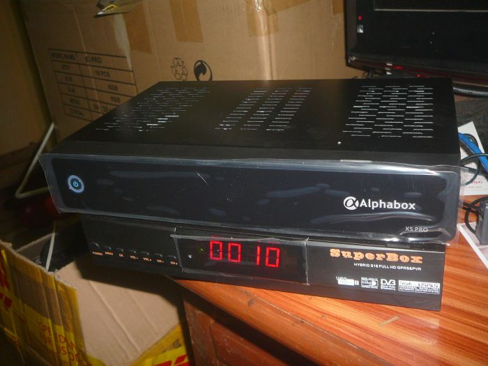 Đập hộp SUPERBOX S18 - hybrid IPTV - Page 21 P1080479_zpsfa81d0aa