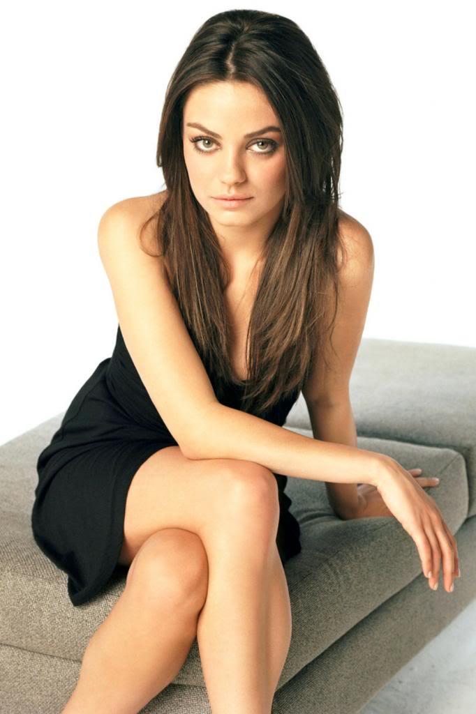 Ficha de Evelyn de Rossi Mila-Kunis-Black-Dress-Photo_zpse066ec5d