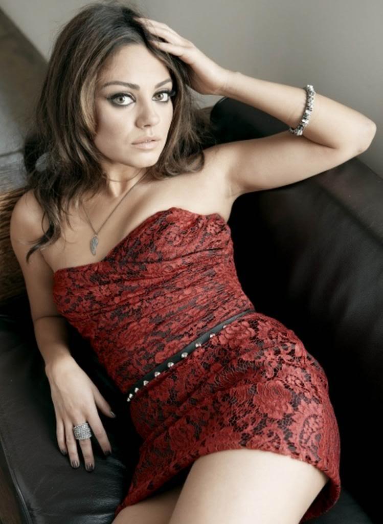 Ficha de Evelyn de Rossi Mila-Kunis-Poster_zpsd55f4dd7
