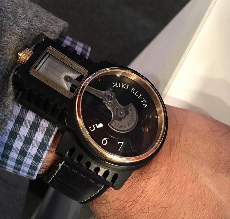 "Un reloj ""raro raro"" CBXIZMvW4AErflb.jpg%20large_zpsjaflhz4i"