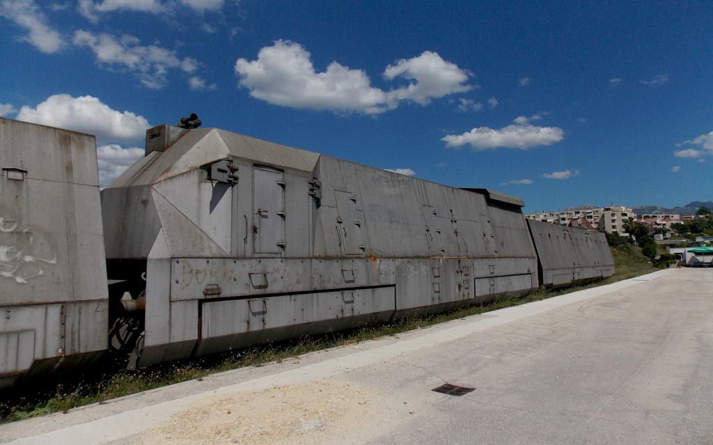 Oklopni vojni vlak DSCN6111_zps2a10c2a1