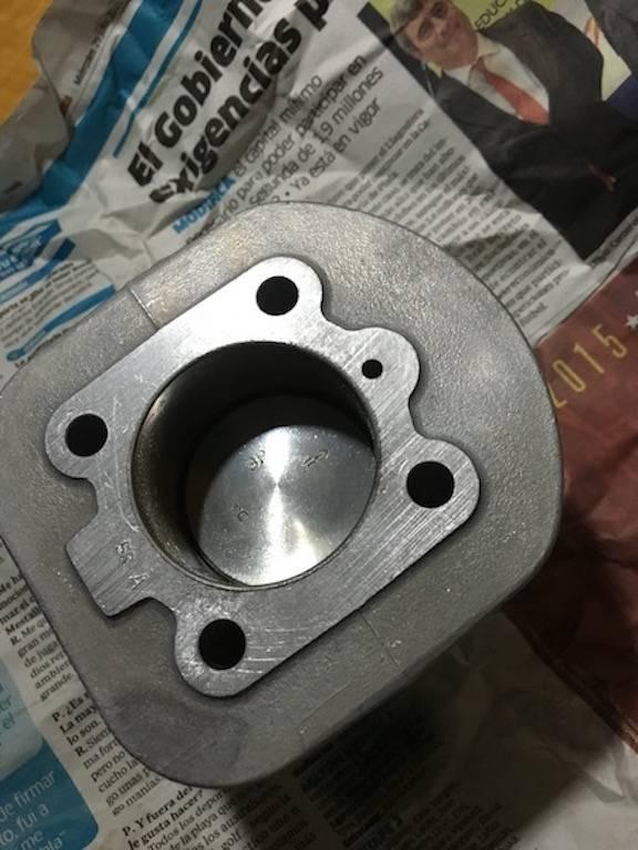 ¿Cómo distinguir cilindro de 65 de 49? IMG_0032_zpsnzd2h6cj