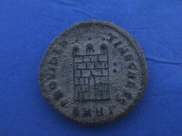 Nummus o follis de Licinio II. PROVIDENTIAE CAESS. Heraclea. DSC09557_zpsst2cttlj