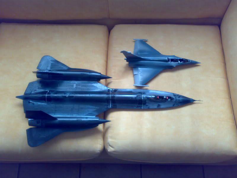 SR-71B - 1/48 - Testors 06062010905