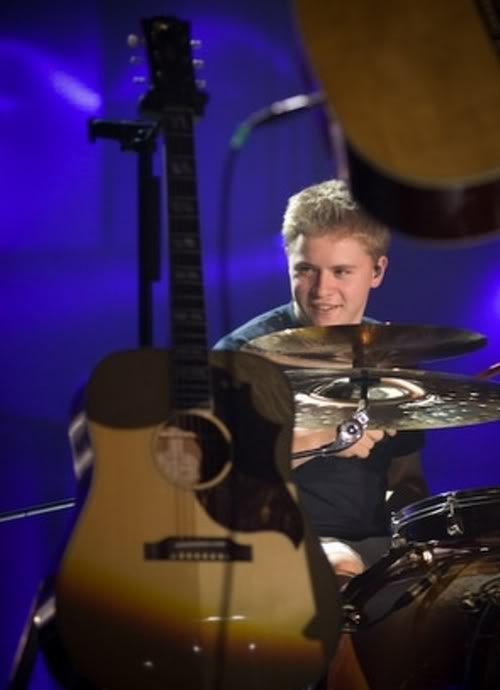 Gustav =D Tokio_Hotel_Backstage--large-msg-12