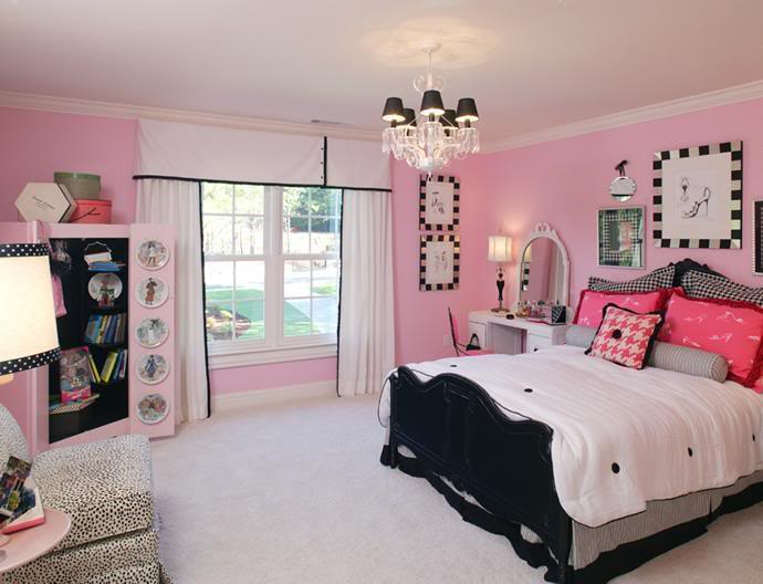 Green Manor Black_and_Pink