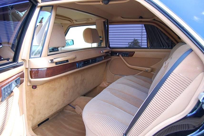 (W126): Inúmeras cores Mercedes_Benz_560_SEL_W126_Armoured_car_zps4e8b92b4