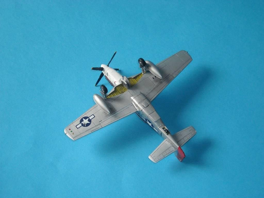 P-51D Academy 1/72 DSCN7925_zps56ebc3bd