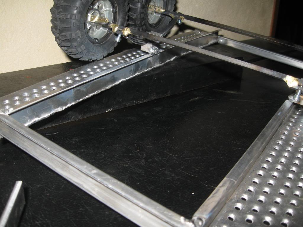 Une remorque porte voiture IMG_0139_zps3ab9c999