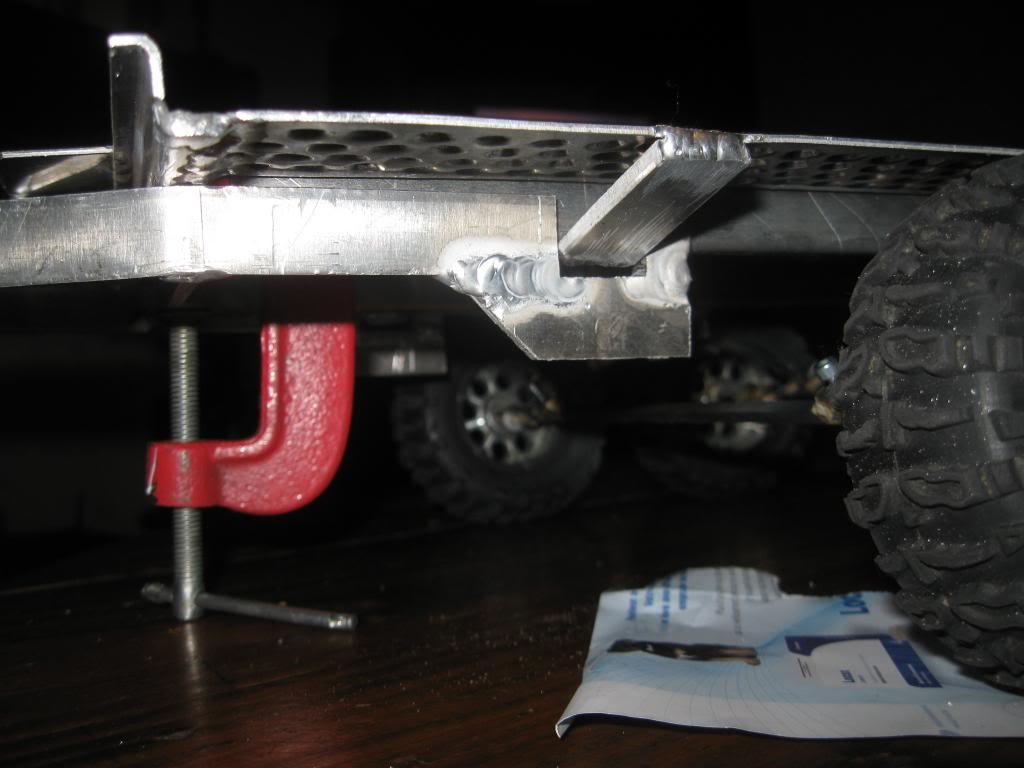 Une remorque porte voiture IMG_0147_zpscc1740fd
