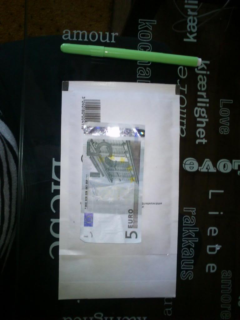 [Tuto] Bien cacher son argent. DSC_0017