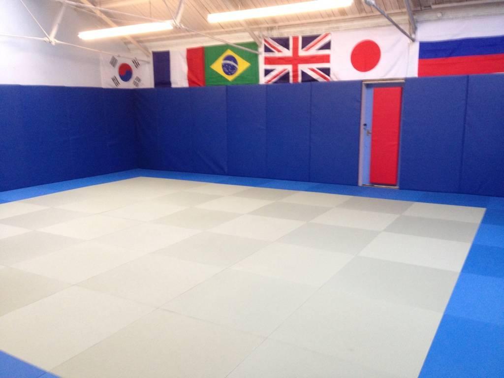 New club build in progress. 446C570A-2FEA-45EF-85A0-BA7CB26CACDB-1362-000000A7C4F468AF_zpsd42acd61