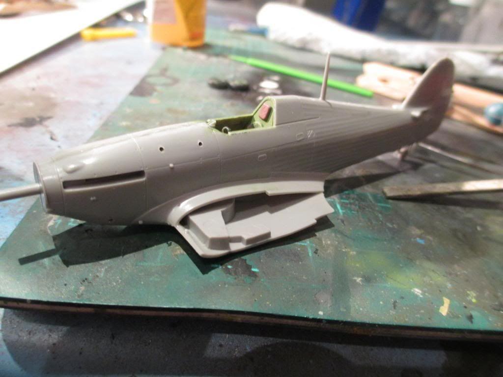 Hurricane IIB-1/72-Revell IMG_2393_zps33d43c9b