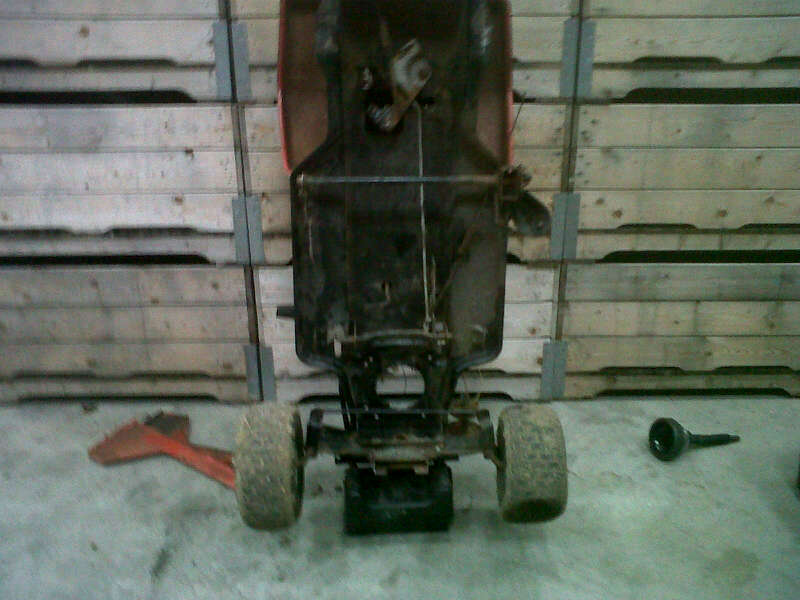 yard king racing/offroad mower build. AlgIH829TRPhb6h_xcveSjEv4MEz0NNhzOCR5VK6D4AV