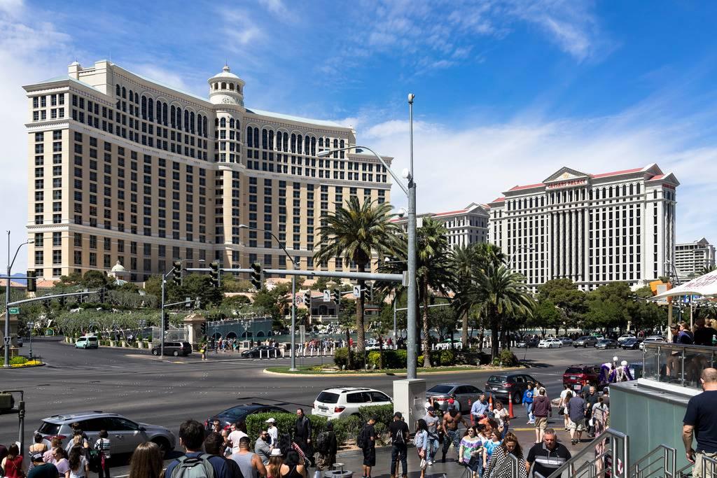 Une photo en cache parfois une autre... Vegas%202017-12_zpscox10g8f