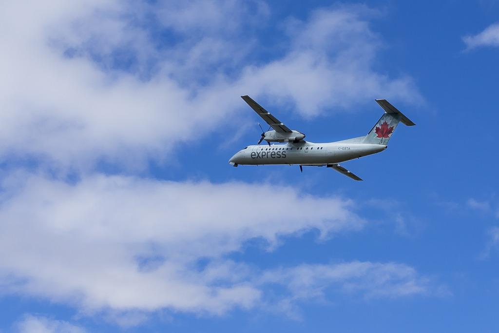 Bombardier DHC-8-400 (Q-400) Avion%203_zpsapgmqdbs