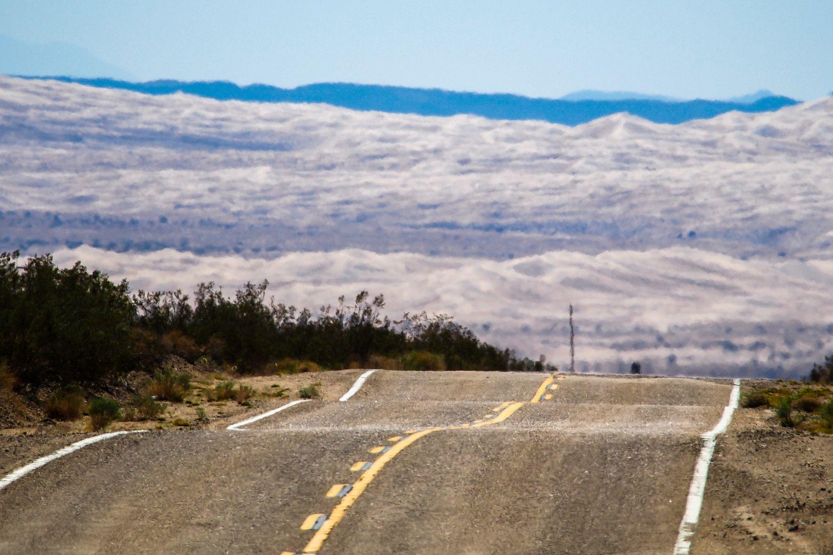 C'est vraiment désert... Deacutesert7_zps98b3f3e7