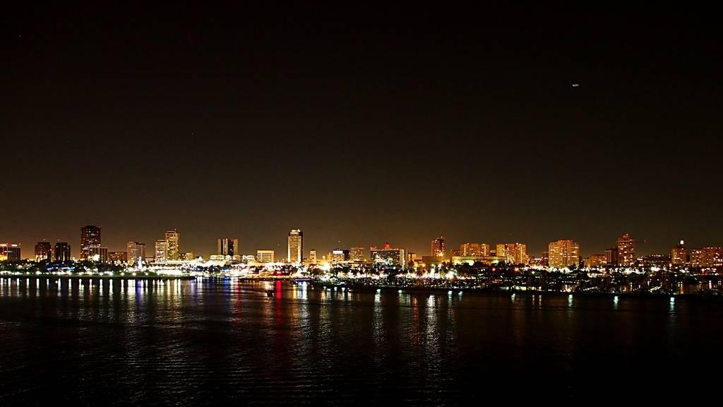 Long Beach by Night 6a6aaa91-730b-4bb3-98fa-61c067fed655_zpshtibfbsv
