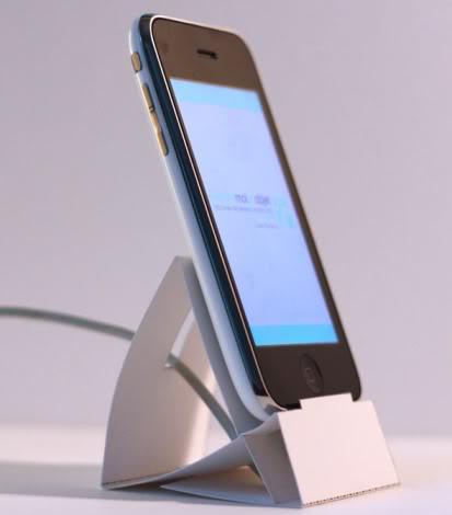 [TUTO] Fabriquez vous même un support pour votre HTC Iphone-stand-01