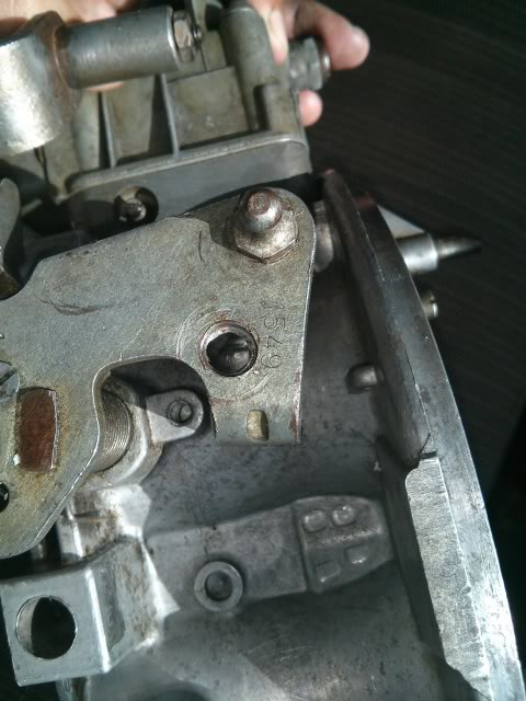 Help Identifying carb 1050? IMG_20131030_151034