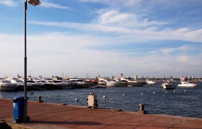 Au port depuis le port!! P1303457