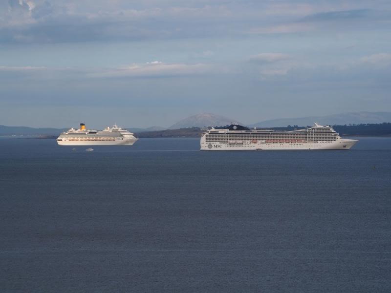 Les grands bateaux .... P1010009_zps4983c875