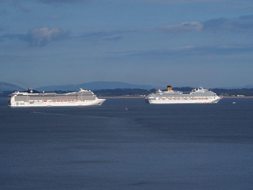 Les grands bateaux .... P1010012_zpsad1b2d1a