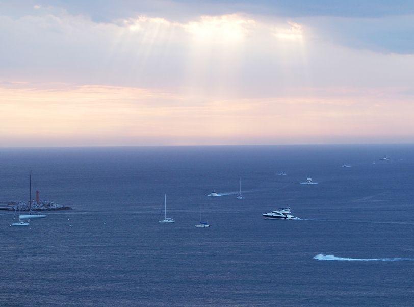 Les grands bateaux .... P1010013_zps7b0baf97