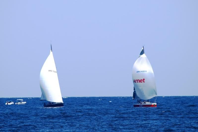 Quelques bateaux qui arrivent P1178861