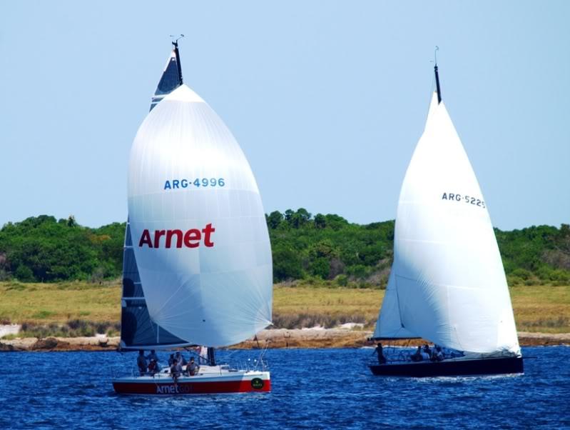 Quelques bateaux qui arrivent P1178864