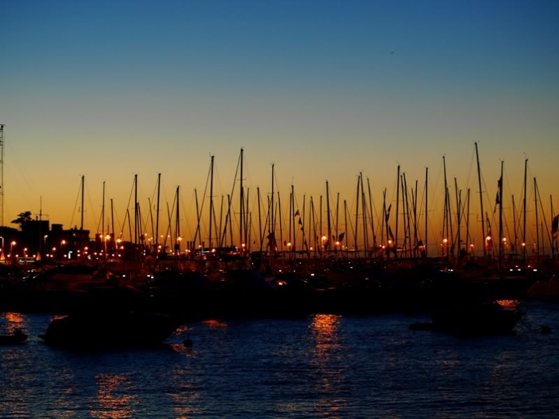 Le port de nuit P1212784
